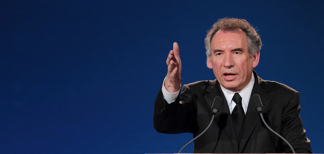 http://www.mouvementdemocrate.fr/media/Articles/thumbnail/main_bayrou-main.jpg